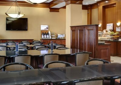 holiday-inn-express-and-suites-detroit-3986154115-2x1